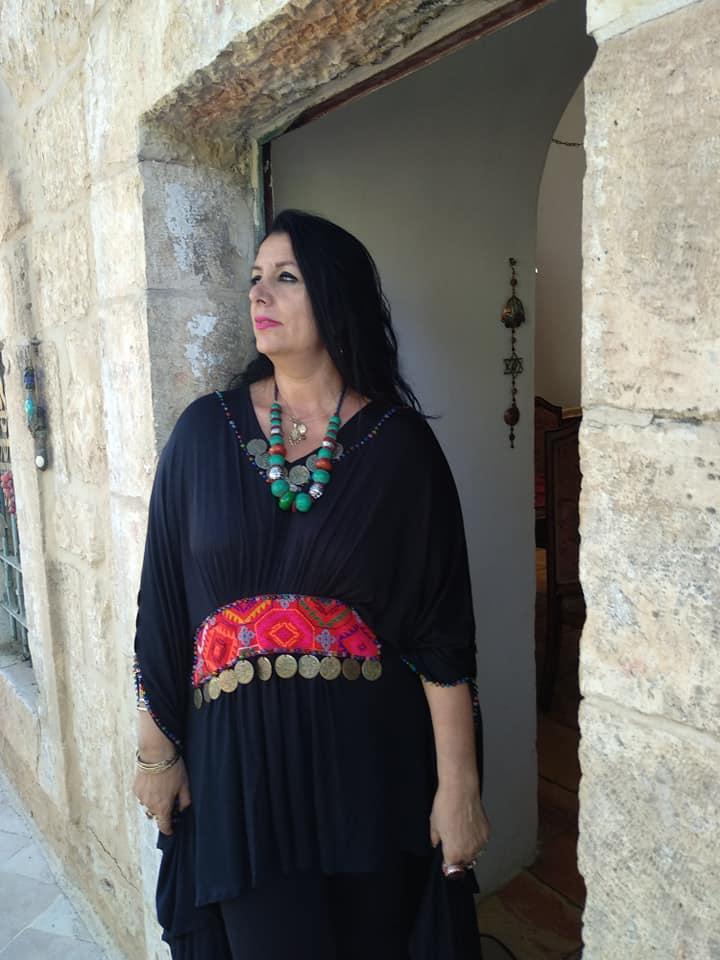 שושנה קרבסי במבט אל ירושלים